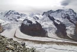 from the left: Lyskamm, Castor, Pollux, Breithorn; below: Gornergletscher